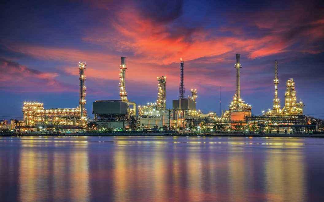 炼油厂.jpg